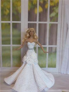 Вязаные наряды для кукол Тоннер / Одежда и обувь для кукол - своими руками и не только / Бэйбики. Куклы фото. Одежда для кукол Barbie Wedding Dress, Wedding Doll, Barbie Gowns, Barbie Dress, Crochet Barbie Patterns, Crochet Doll Dress, Crochet Barbie Clothes, Doll Clothes Patterns, Dress Patterns
