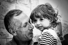 IDF Kills Hebron Peace Activist, Hashem Azzeh - Hashem Azzeh with his young daughter