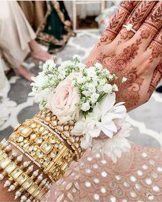 Bridal Bangles, Bridal Jewelry, Bridal Gallery, Bangles Making, Hand Jewelry, Flower Jewelry, Jewelry Sets, Silver Jewelry, Asian Bridal