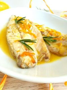Fish Recipes, Healthy Recipes, Med Diet, Gym Food, Food Illustrations, Fresh Rolls, Italian Recipes, Food To Make, Seafood