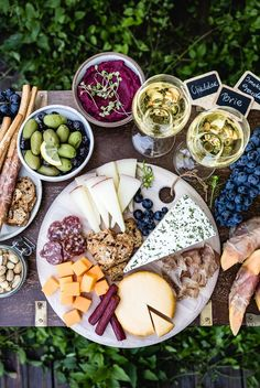 Your Ultimate Guide to The Best Meat and Cheese Platter - Learn everything you need to know to impress your guests. New Year's Food, Good Food, Yummy Food, Brie, Sandwiches, Meat Platter, Best Meat, Dried Figs, Meat And Cheese