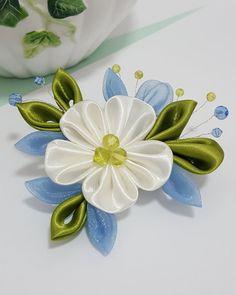 Items similar to Black and Pink Swiss Kanzashi Flower Hair Clip on Etsy Ribon Flowers, Kanzashi Flowers, Flowers In Hair, Fabric Flowers, Satin Flowers, Ribbon Art, Diy Ribbon, Ribbon Crafts, Flower Crafts
