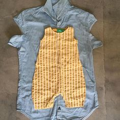 Look at this perfect remake! made a romper AND baby pants from the same preloved shirt. I love how you all send me… Baby Outfits, Baby Girl Dresses, Baby Dress, Vintage Kids Clothes, Baby Kids Clothes, Diy Clothes, Baby Clothes Patterns, Clothing Patterns, Diy Romper