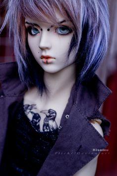 http://yureya.deviantart.com/art/I-m-better-alone-II-438633991