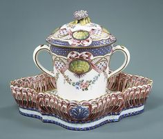 1764 French Sèvres Cup with cover and tray at the Metropolitan Museum of Art, New York