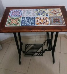 Sewing table repurpose old 47 Ideas – Sewing 2020 Decor, Diy Furniture, Singer Table, Old Sewing Tables, Repurposed Furniture, Sewing Table Repurpose, Old Sewing Machines, Sewing Machine Tables, Tile Tables