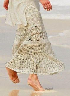 Greendora Cancùn shared Crochet Patterns To Try's post. Blouse And Skirt, Dress Skirt, Lace Skirt, Crochet Skirts, Crochet Clothes, Filet Crochet, Knit Crochet, Crochet Woman, Cotton Skirt