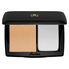 What it is:A nude powder compact foundation that retains moisture and achieves a matte effect. What it does:Go nude—and matte—with this Lingerie De Peau Nude Powder Foundation from Guerlain. With its moisture retaining formula, matte effec