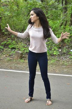 Shraddha Kapoor during the on location shoot of television serial CID to promote her film Ek Villian in Mumbai Shraddha Kapoor, Indian Celebrities, Bollywood Celebrities, Bollywood Actress, Bollywood Outfits, Bollywood Fashion, Western Outfits, Western Wear, Western Dresses