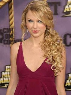 Curly, blonde and long style, add a flower for the vintage look