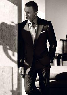 Daniel Craig, b/w Rachel Weisz, Daniel Craig James Bond, Best Bond, Shadow Photos, Head & Shoulders, British Actors, Gorgeous Men, Hello Gorgeous, Beautiful People