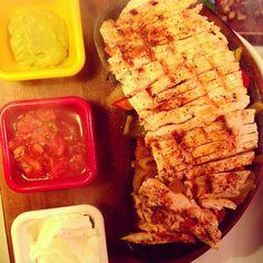 Tavuk Etli Fajita diye yazılır, akşam yemeğinin yıldızı diye okunur