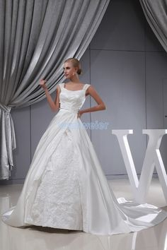 Ball Gown Scoop-neck Train Taffeta White Wedding Dress with Appliques(ZJ7116)