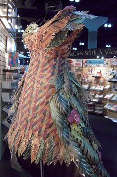 Another paper dress to love.