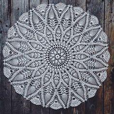 Доброе и кружевное утро #vsco #vscocam #vscoonly #crochet #handmade #ручнаяработа #сделановроссии #старина #бабушкинсундук #кружево #салфеткавязаная #салфеткакрючком #винтаж #свадебныйдекор