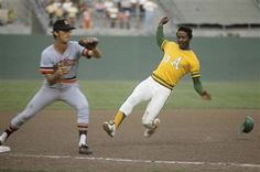 """John """"Blue Moon"""" Odom was a pretty good pitcher, but also a good baserunner. He's seen here in the playoffs against Detroit."""