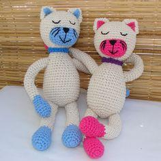 Gatitos tejidos en hilo de algodón