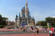 Everyday Life: 12 Things You Can Get Free at Disney World #Travel #DisneyMom