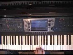 """Joy To The World"" piano lesson using piano chord styles"