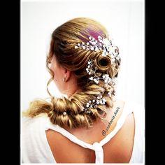 """29 kedvelés, 0 hozzászólás – Szabó Éva Fodrász (@szaboeva.hair) Instagram-hozzászólása: """"👰Egy újabb álomszép menyasszonyi frizura👰 💖Sok Boldogságot Kívánok az ifjú párnak!💖…"""" Crown, Earrings, Jewelry, Instagram, Fashion, Ear Rings, Moda, Corona, Stud Earrings"""