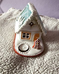 #artfood #art  #medovniky #med #honeycake #honey #medovník #pernicky #pernik #gingerbread #pain #painting #cook #colors #color #christmastime #christmas #sneh #vianoce #church #winters #winter #krajina #country #paint #painting #vianocnycas #dom #domcek #hause Honey Cake, Christmas Time, Gingerbread, Cook, Country, Winter, Instagram Posts, Painting, Art