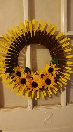 Closepin wreath Clothes pin wreath, Donna Childers, Clothes pin wreath Closepin Kranz Source by . Summer Crafts, Fall Crafts, Holiday Crafts, Wreath Crafts, Diy Wreath, Holiday Wreaths, Mesh Wreaths, Clothes Pin Wreath, Diy Cadeau