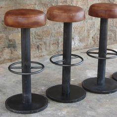 Tabouret de bar en acier naturel et cuir marron antique