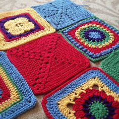 Ravelry: AnnabelsArmoire's Friendship blanket  Plain squares with circle in a square blanket