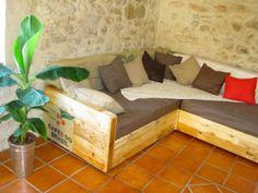 King Size Sofa Made Out Of Pallets