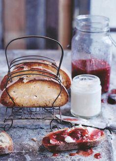 ¡Buenos días! Momento desayuno, la comida más importante del día. Feliz domingo y fin del verano para la mayoría.