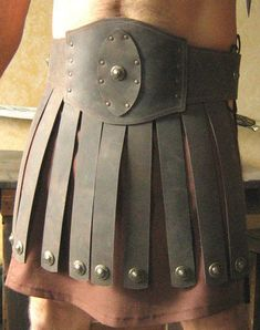 Medieval Roman Gladiator Leather Belt Armor (Combo) - Wahrsagerin Make Up Roman Soldier Costume, Gladiator Costumes, Roman Gladiators, Roman Armor, Ceinture Large, Toga Party, Roman Soldiers, Leather Armor, Armor Of God