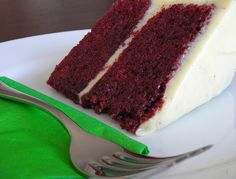 Healthy Low-Fat Red Velvet Cake & Cream Cheese Frosting Recipes...  Uses oil only for the cake, cottage cheese and vanilla yogurt for the cream cheese frosting