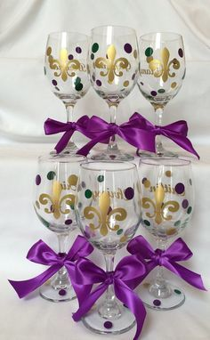 Personalized Mardi gras Wine glass Fleur de lis wine by lawler01