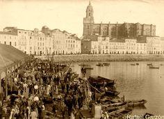 Malaga, Old Photos, Paris Skyline, Travel, Landscapes, Historia, The Neighborhood, Old Photography, 19th Century