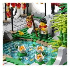 LEGO Spring Lantern Festival (80107) - minifigure fishing in pond