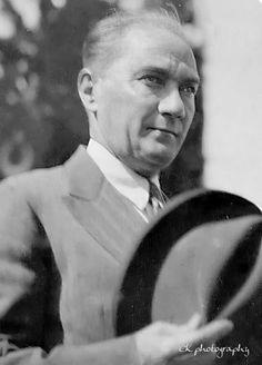 Atatürk'ümüzün en net siyah, beyaz fotoğrafları... Black And White Love, Ulsan, Abraham Lincoln, History, People, Model, Historia, Scale Model, Folk