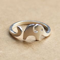 Sterling Silver Jewelry 925 Size: Opening ring(adjustable) Color: Silver Material: 925 Sterling Silver Fashion: cute New Element: Elephant pattern Lovley Little Elephant 925 Sterling Silver Opening Ring, is made of 925 Sterling…MoreMore Elephant Ring, Elephant Jewelry, Dolphin Jewelry, Baby Elephant, Ladies Silver Rings, Silver Man, Do It Yourself Fashion, Animal Rings, Rings For Girls