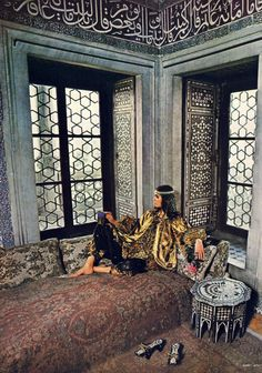 the60sbazaar:Bohemian Bill Gibb fashion (ph. Barry Lategan, Vogue)gypsealife