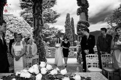 Lake Como, in northern Italy is one of the favorite destinations for spouses around the world. This young couple has chosen to set their big day in the localities of Lenno and Tremezzo. Mother Pictures, Lake Como Wedding, Northern Italy, Grand Hotel, Outdoor Ceremony, Big Day, Villa, Around The Worlds, Bride