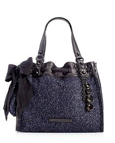 Yes please. I already love my gray and pink Daydreamer bag.