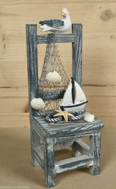 Mini wooden chair with seagull for maritime decoration Coastal Bathroom Decor, Nautical Bathrooms, Coastal Decor, Seashell Crafts, Beach Crafts, Dollhouse Accessories, Shell Art, Nautical Theme, Nautical Craft