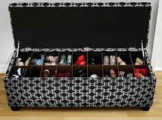 Больше никаких коробок и антресолей! Ведь хранить обувь с удобством не так сложно, как может показаться на первый взгляд. Мы расскажем, как грамотно организовать хранение в квартире любой площади