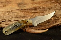 Blade 3.5 Overall 7 1/4  Handle is Acyrlic with satin finish.  Made with 440C steel.