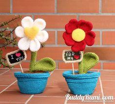 PATTERN: Heart Shaped Flowers Gift Keepsake Amigurumi Crochet Pattern