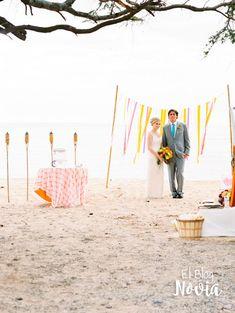Antorchas con citronela - Ideas para una boda en la playa