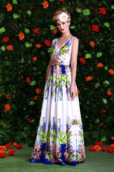 Choose an amazing floral print dress in Isabel Garcia Summer collection...