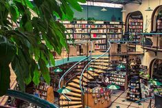 The world's most beautiful book stores: Cafebrería El Péndulo, Mexico City. Provided by Architectural Digest