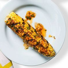 Tex Mex Corn on the Cob - I think I want to grill it with this spice combination on it. Corn Recipes, Mexican Food Recipes, Vegetarian Recipes, Grilled Vegetable Recipes, Grilled Vegetables, Grilled Recipes, Burger Sides, Ham Fried Rice, Oven Roasted Corn