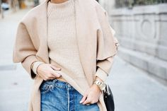 Maxi_Coat-Reformation_Sweater-Vintage_Levis-Outfit-Street_Style-Collage_Vintage