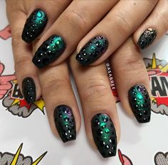 # Nails, Nails, Nails Crazy Nail Art, Crazy Nails, Lee Nails, Line Nail Art, Silver Nail Art, Lines On Nails, Nails Only, Young Nails, Chrome Nails